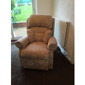 Mrs Burdette from Shirebrook - New Nottingham electric rise and recliner in Caledonian fabric