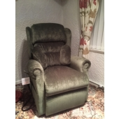 Mrs Hardy from Kirkby in Ashfield - New Nottingham recliner in Velluto fabric