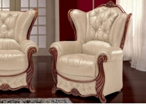 CHRISTIE LEATHER CHAIR