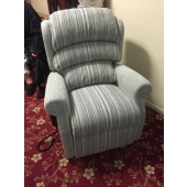 M/M Tomlinson from Sutton in Ashfield - New Newark electric rise and recliner in Maidavale fabric