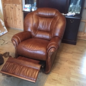 M/M Carter from Sutton in Ashfield - New Cynthia leather chair in colour Tabak recliner