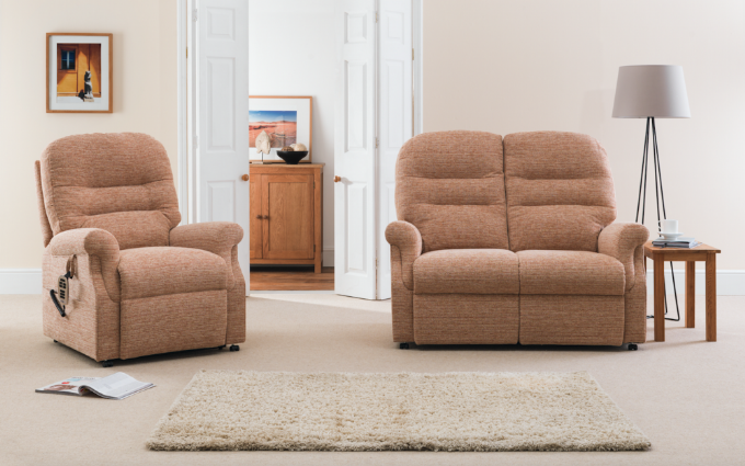 CROMWELL ELECTRIC RECLINER